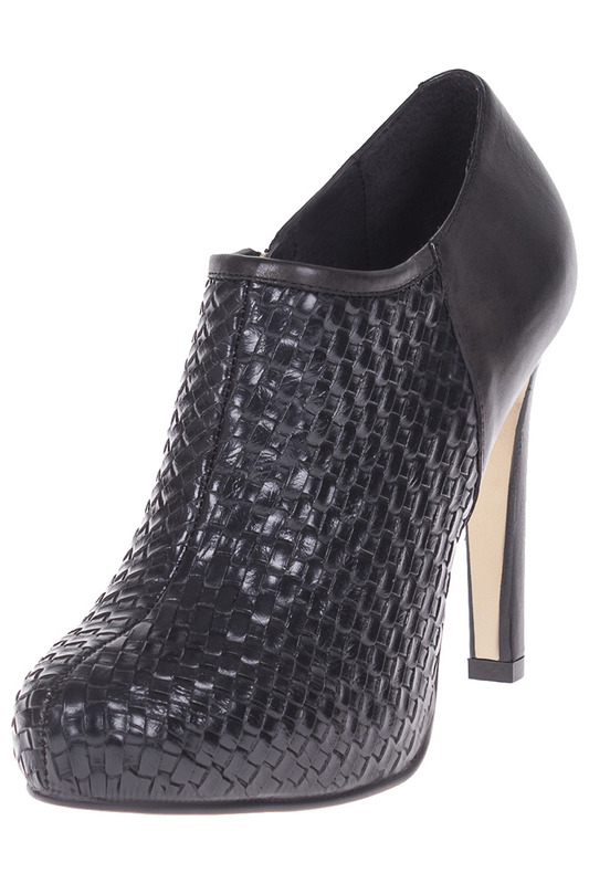 ankle boots ROBERTO BOTELLA Ботильоны на каблуке ankle boots gusto ботильоны на каблуке